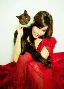 Gina Gershon Talks About Losing And Finding Her Cat