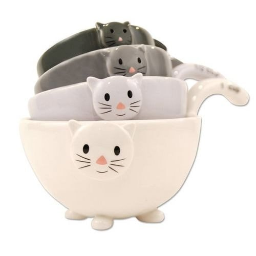 cat-measuring-cups