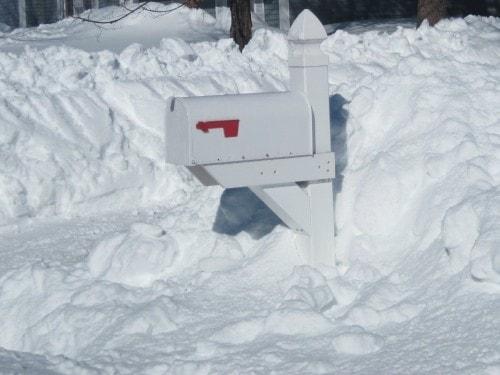 mailbox-snow
